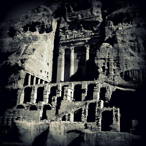 Urn Tomb by lostknightkg