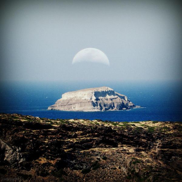 Santorini Caldera by lostknightkg