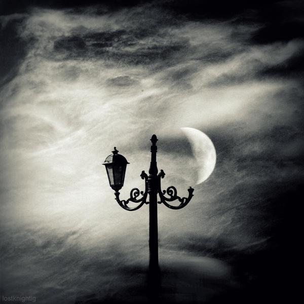 Moon lamp by lostknightkg
