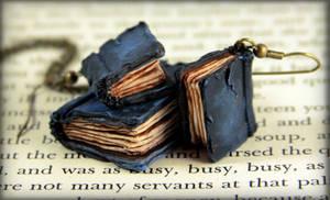 Beloved Books Jewelry Set