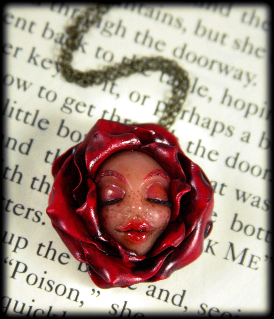 Wonderland Flower Necklace by NeverlandJewelry