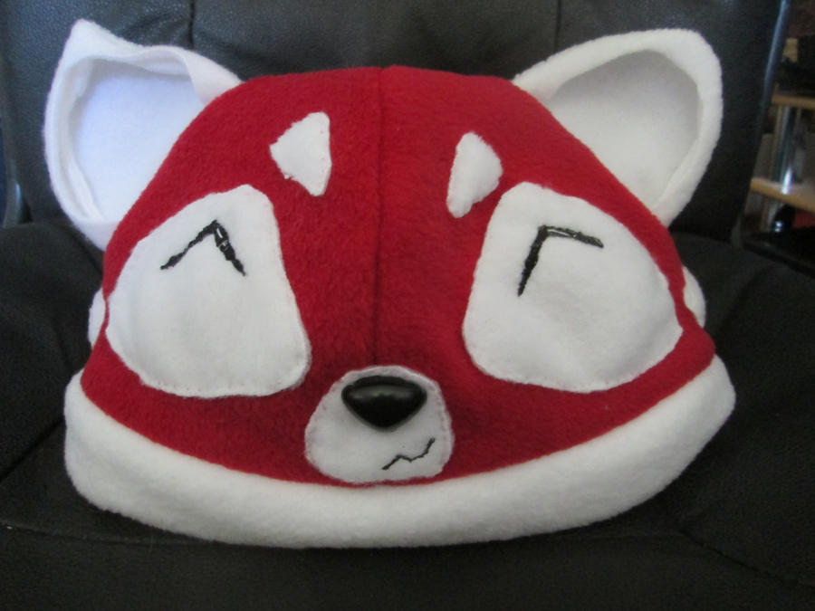 Red panda hat by cornishmouse