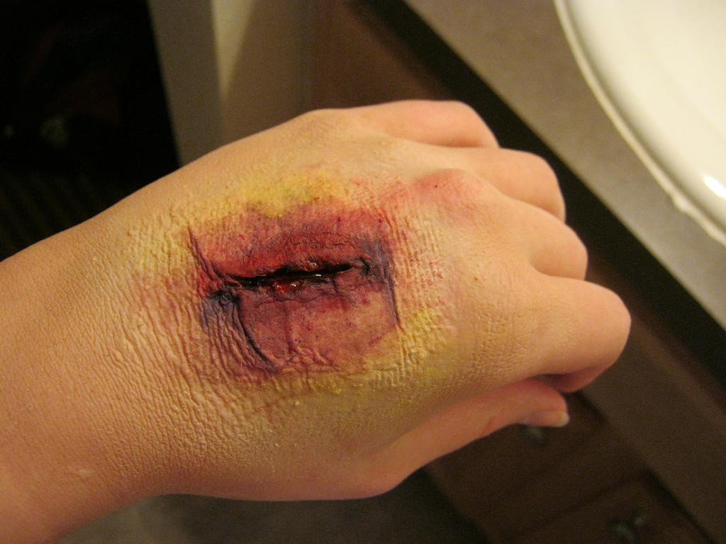 Latex Scar practice (A little gory) by RinaShadowPrincess