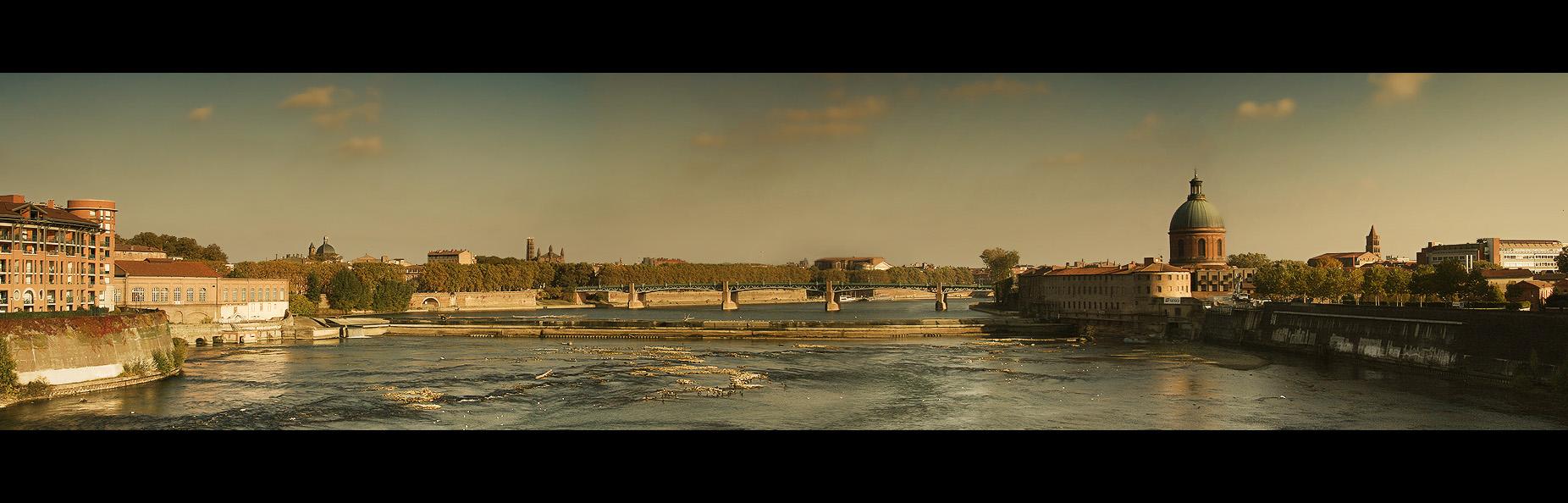 Toulouse skyline by s-l-e-e-p-y-h-e-a-d