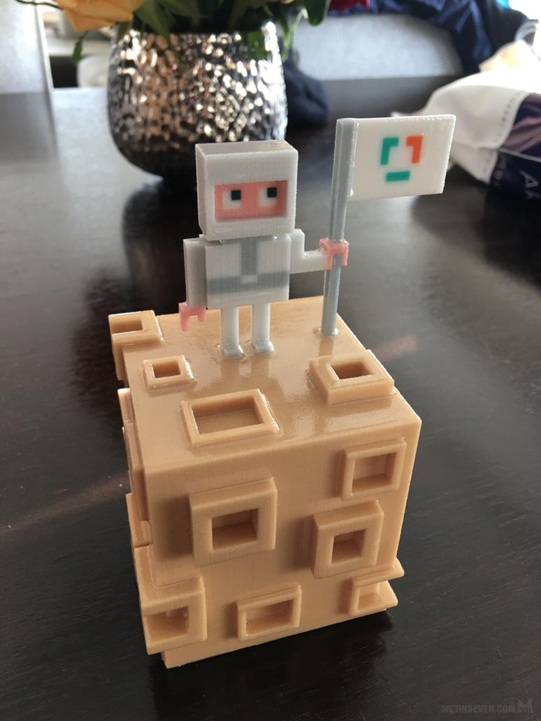 Moon voxel art 3D print by m7