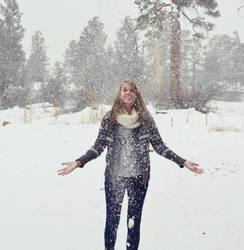 snow by alekswasheree