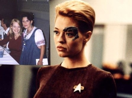 Meeting Jeri Ryan a.k.a. Seven of Nine at Vulkon! by Empress-XZarrethTKon