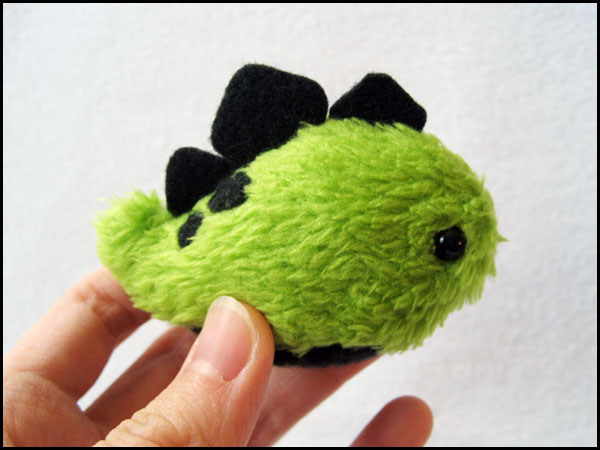 Teeny Tiny Slugosaurus by melkatsa