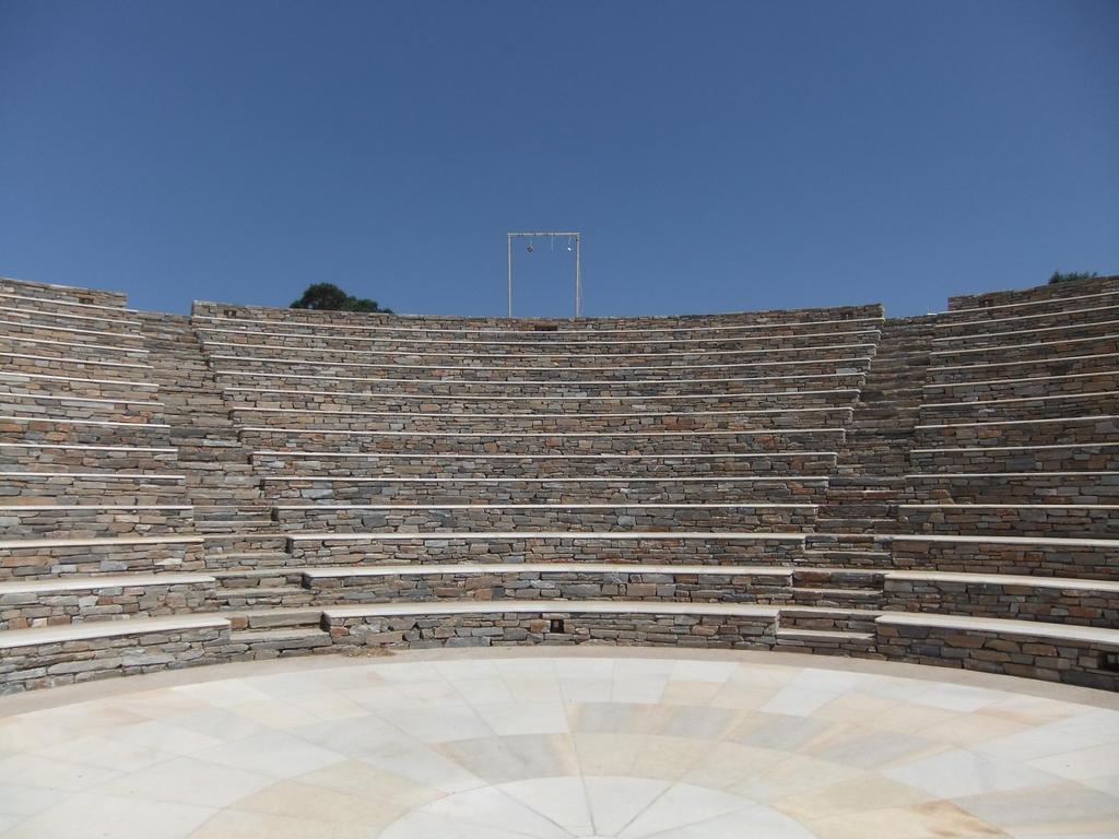 Amphitheatre 02