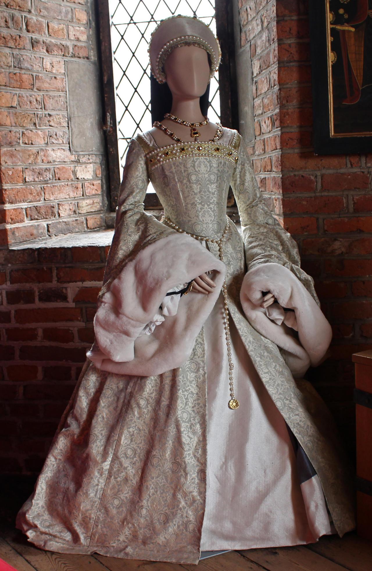 Catherine Howard's Dress 2 by fuguestock