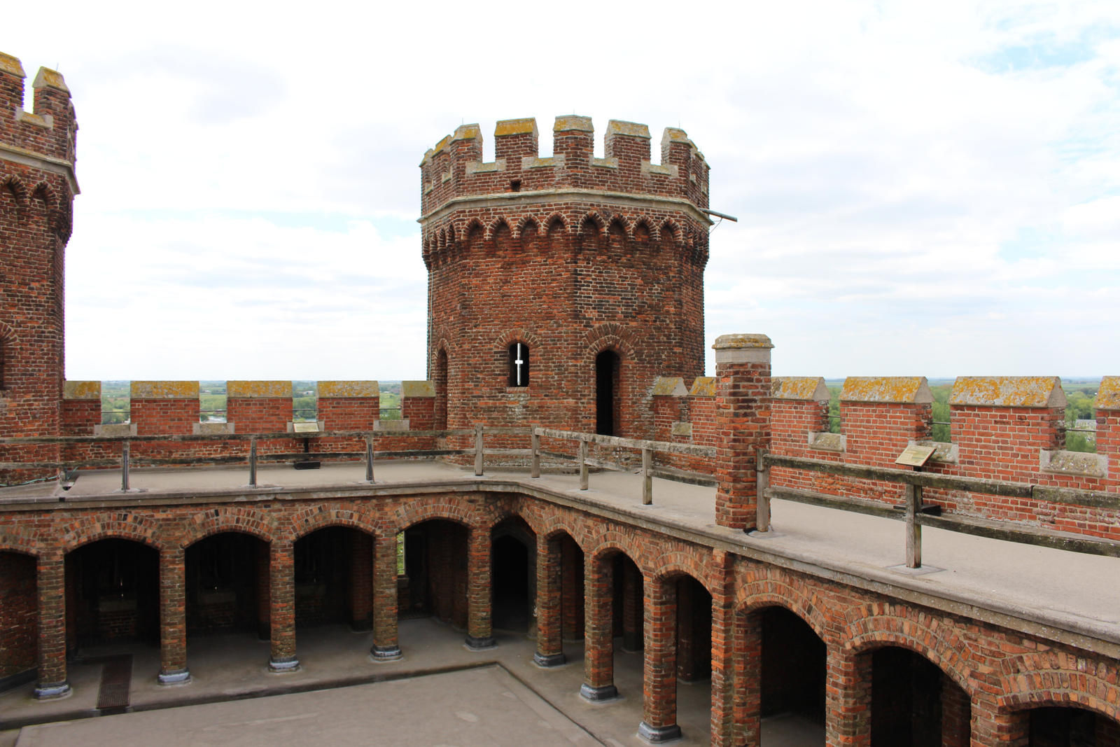 Fortresses Courtyard 04