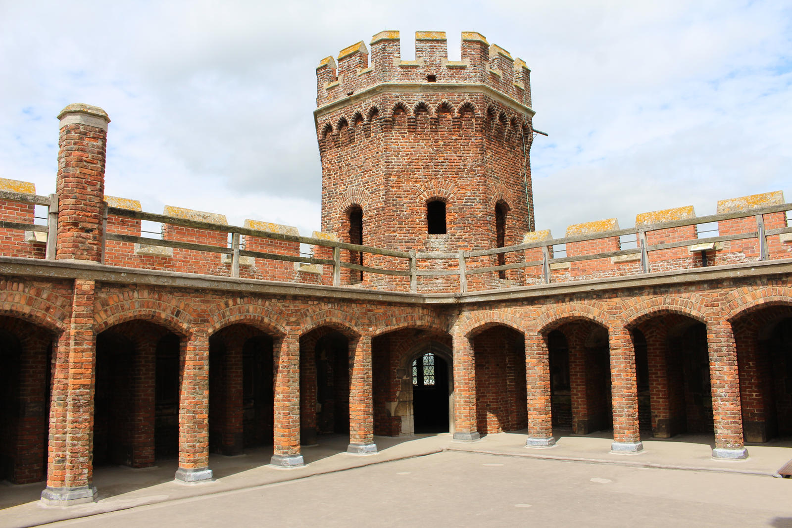 Fortresses Courtyard 01