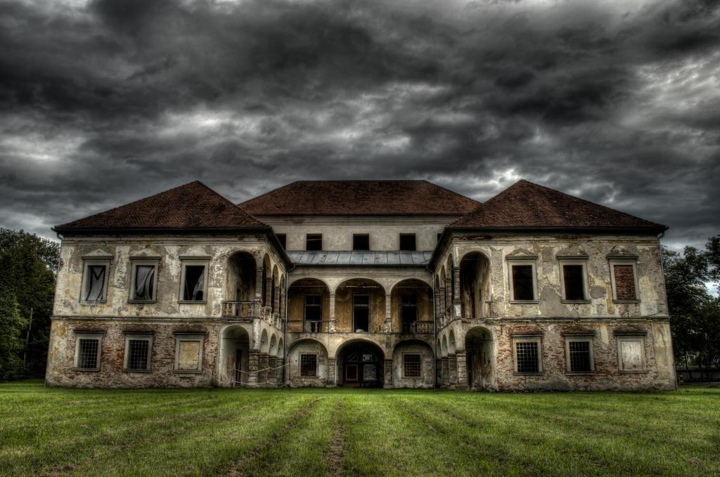Abandoned Mansion By Victim4 On Deviantart