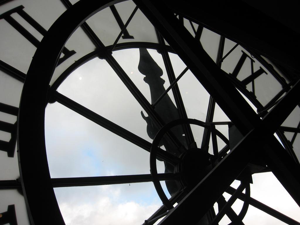 tell the time by kanakanafigures
