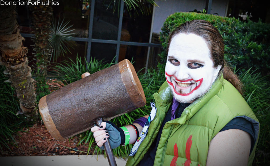 http://fc05.deviantart.net/fs71/i/2013/181/c/2/we_kill_the_batman___joker_cosplay_by_donationforplushies-d6bfgnt.jpg