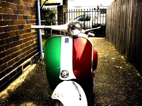 Vespa italia by soundadviceet com on deviantart for Vespa com italia