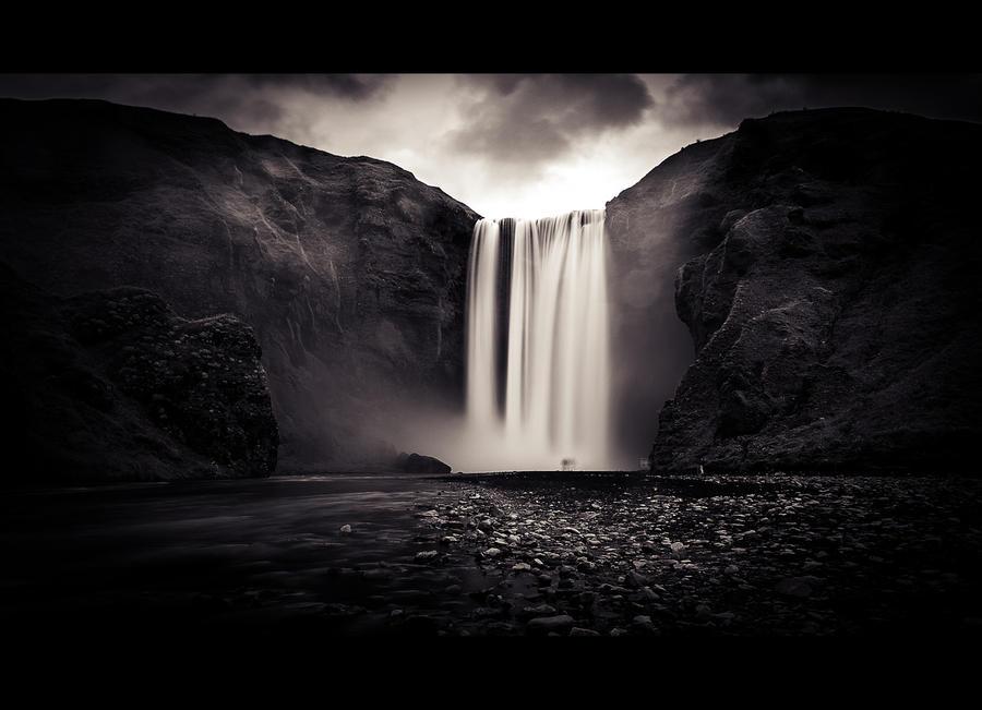Iceland Series / 2 by MOEYart