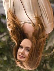 Isla Fisher upsidedown