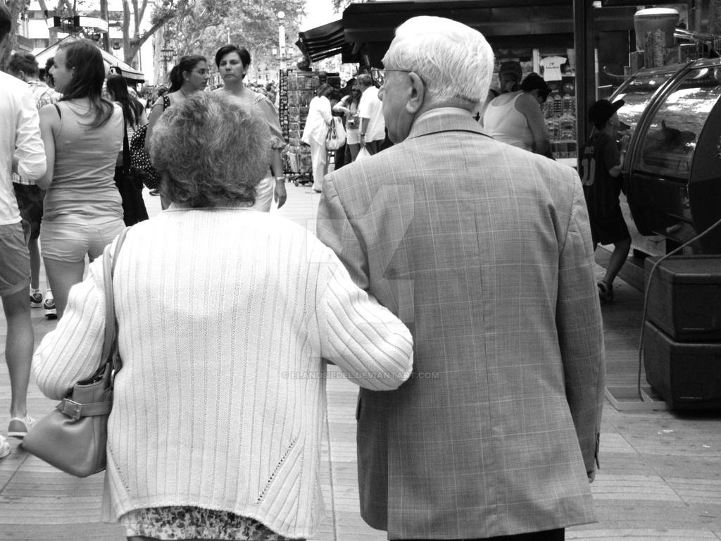 precious old couple in Barcelona by elandsiedel