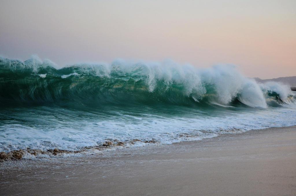 breaking waves by josedelsol - photo #42