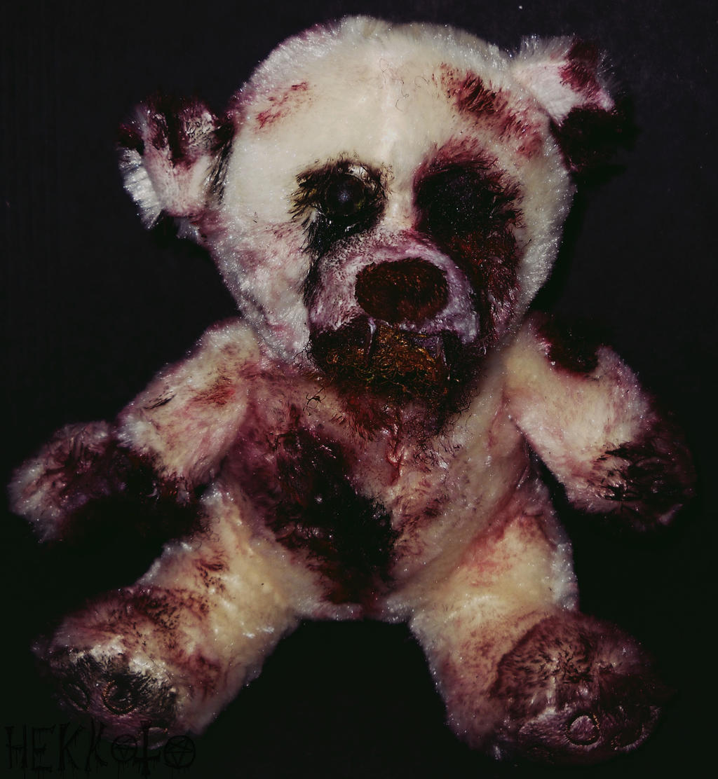 Zombie teddy bear by Hekkoto