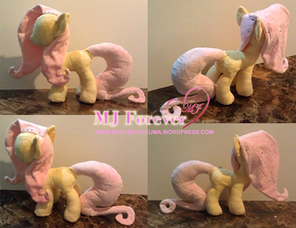Trying my hand at sewing pony plushies continued.. by moggymawee