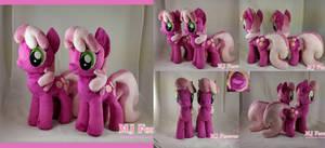 Cheerileeeee Plushieeeee x2!  :D (SOLD!)