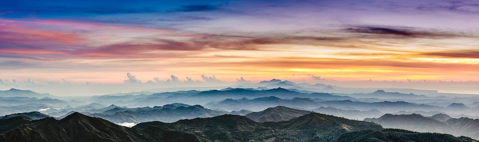 Sunrise @ Ramelau Mountain