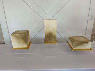 Gold cube wedding cake
