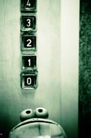 Dans l'ascenseur by matmoon