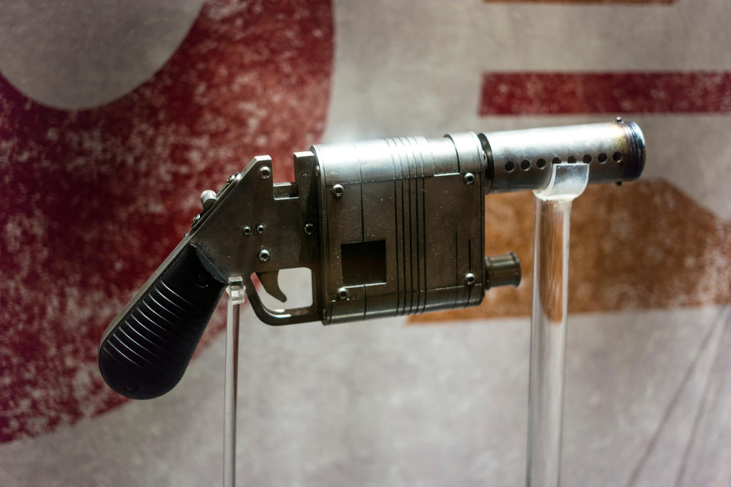 Rey's Blaster by nwo