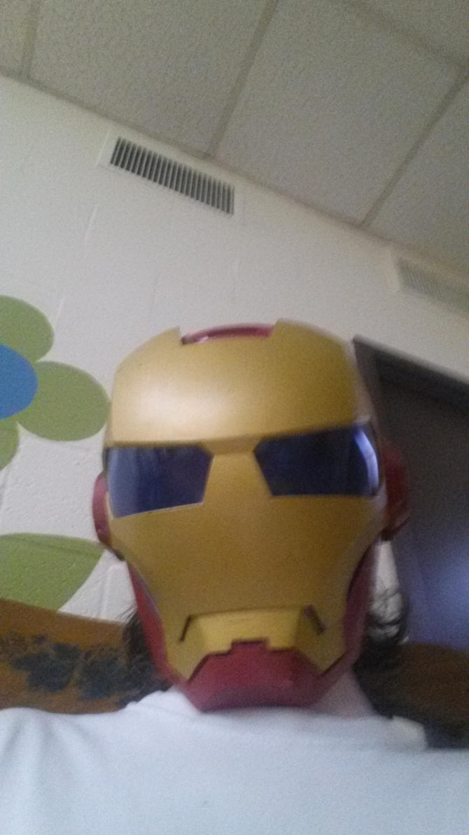 Iron man helmet by Chaser1992