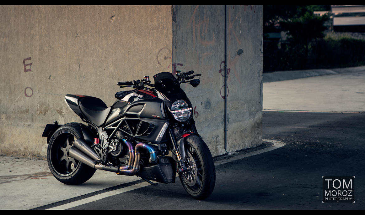 Diavel Under the Bridge 3 by tmz99