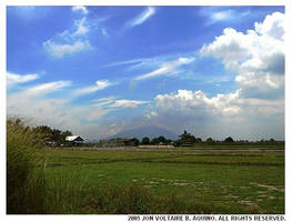 Mount Arayat by Stalmannen