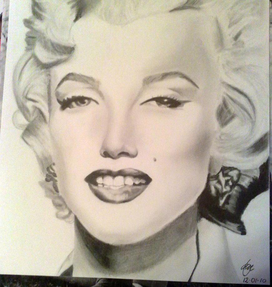 Marilyn Monroe by mrcvccr