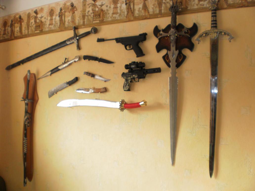 Холодное оружие на стене фото