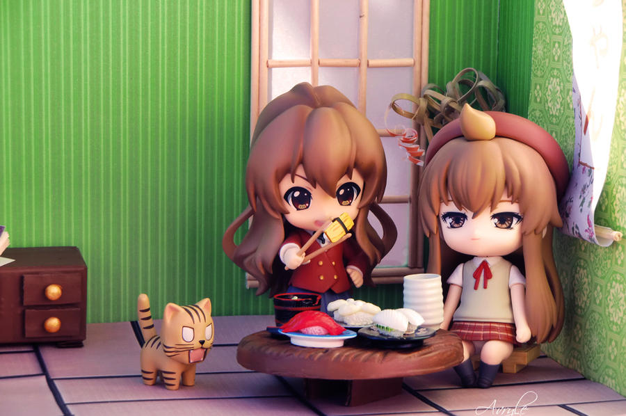 Time to lunch for Chiaki and Taiga!
