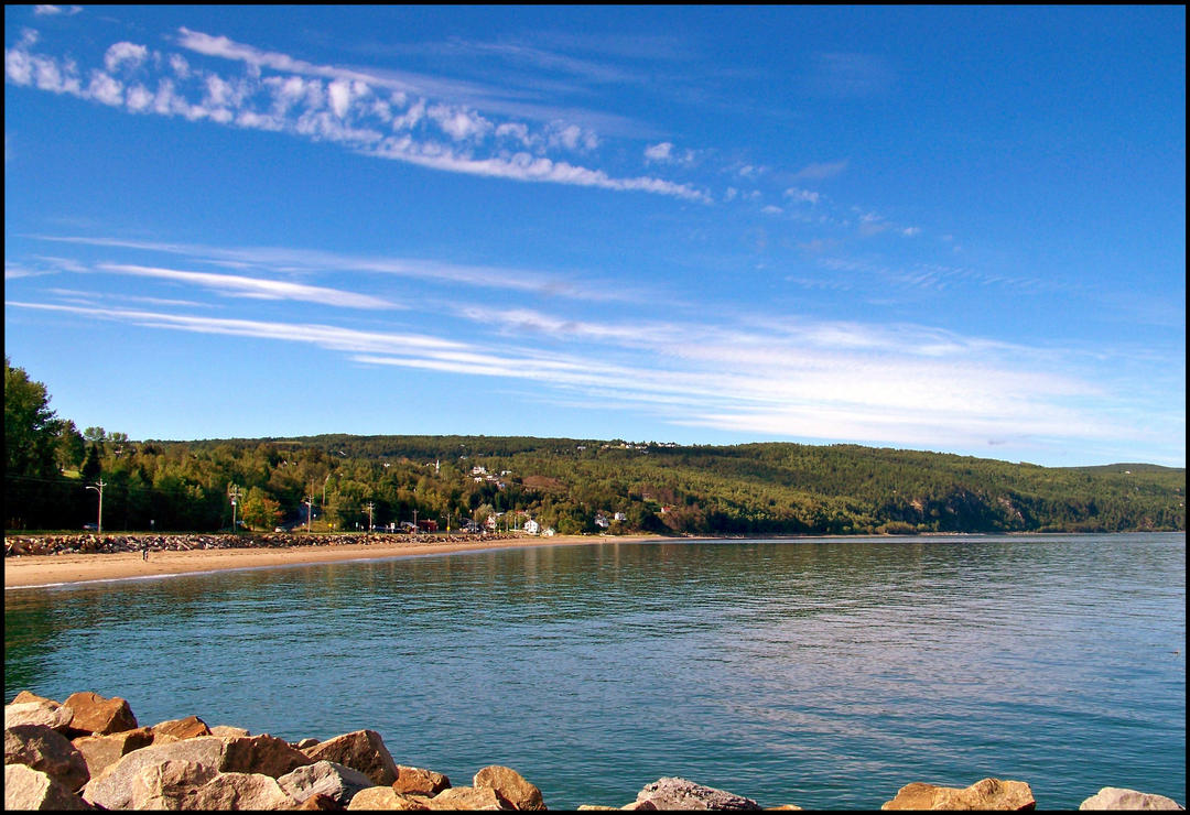 Small Beach - The bottom of the bay by philippeL