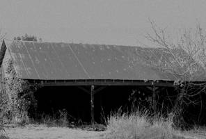 Dark and decrepit structure... by thewolfcreek