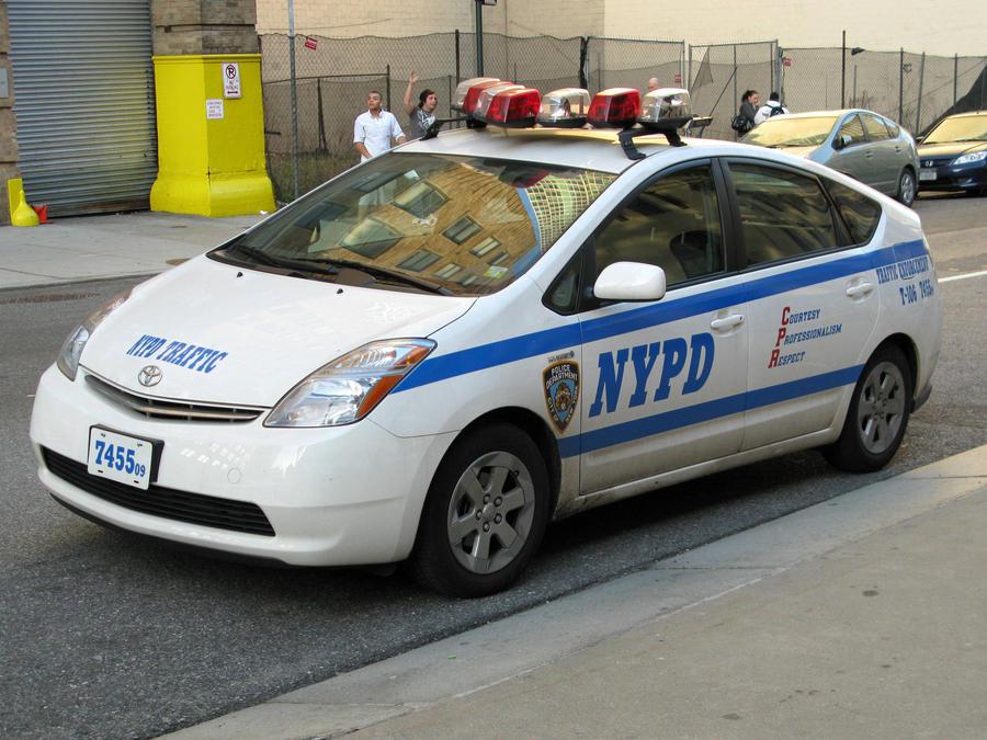 El juego de las imagenes-http://fc03.deviantart.net/fs71/i/2010/101/d/2/NYPD_7455_by_SeanGulden.jpg