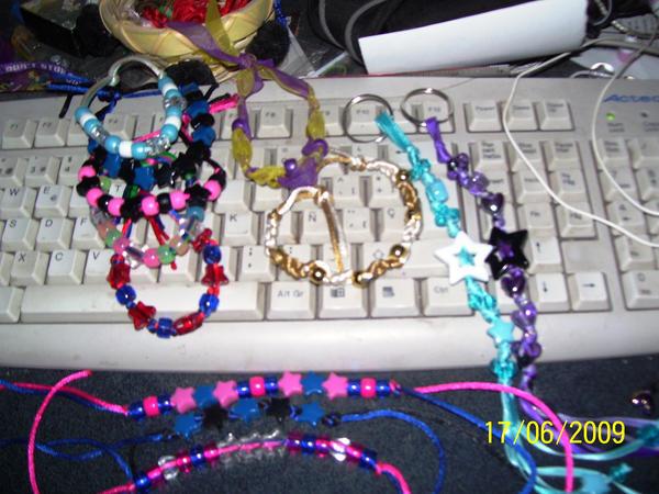 pulseras,llaveros de liston by Brendaneko