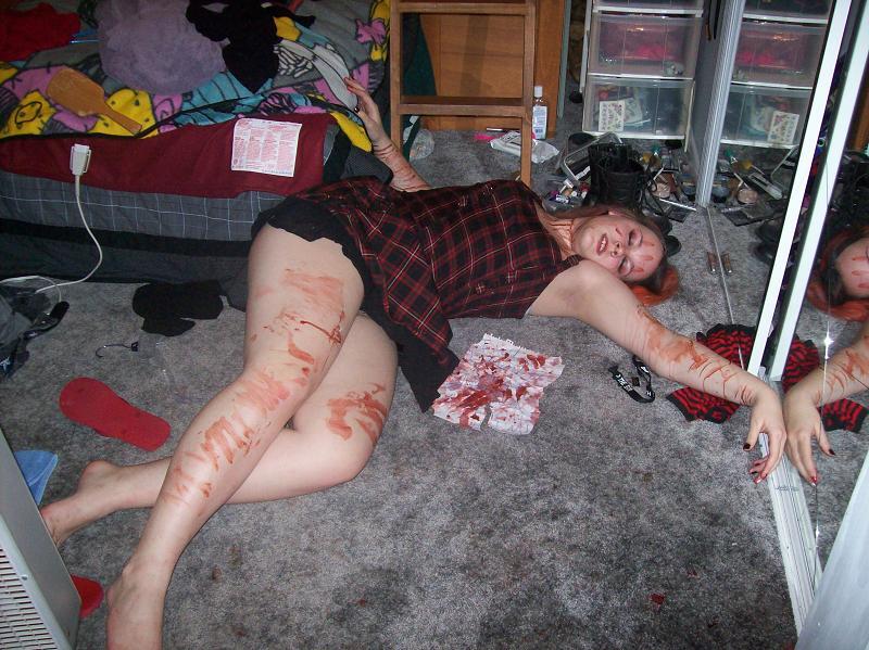Me- full body dead 2 by LonelyVenus119