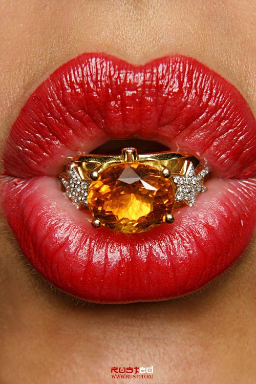 Lips by rust2d