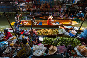 Thailand | Floating market by slecocqphotography
