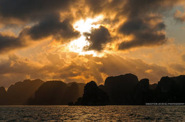 Vietnam | Halong Bay by slecocqphotography