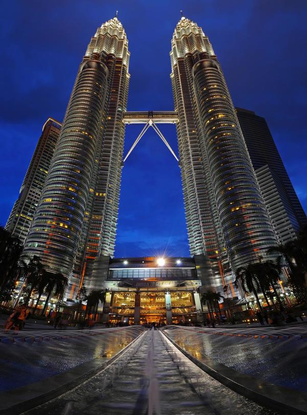 Kuala Lumpur - Petronas by lux69aeterna