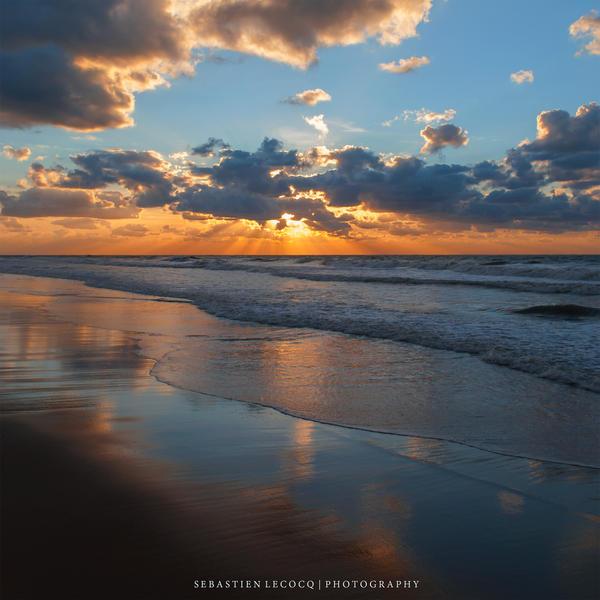 Belgium - La Mer du Nord by lux69aeterna
