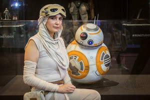 Star Wars - Rey Cosplay by CarlaGolbat