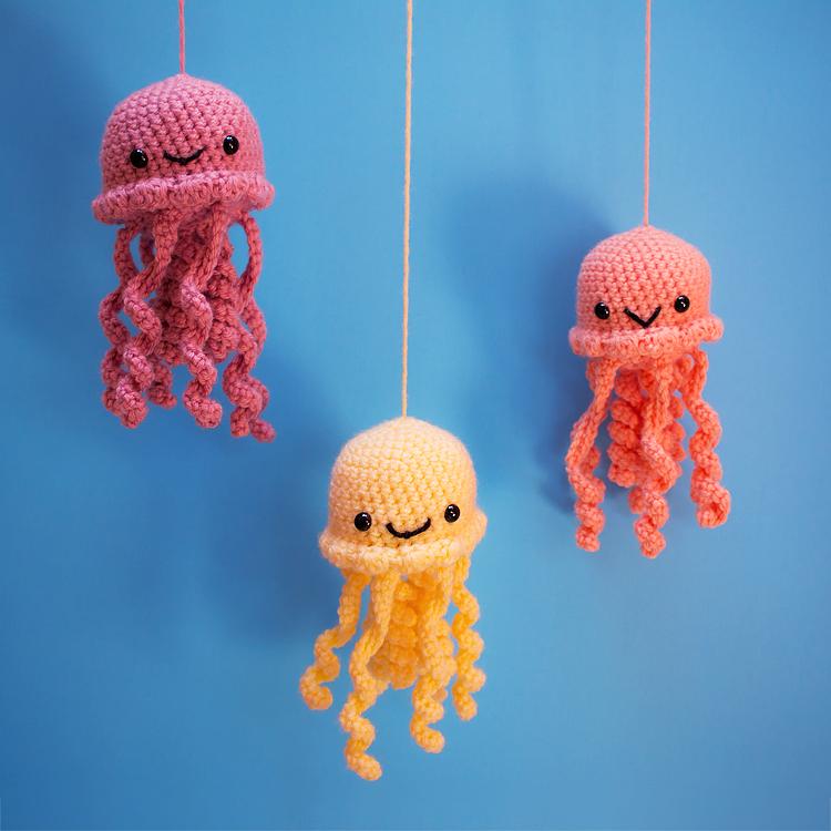 Crochet Jellyfish amigurumi pattern - Amigurumipatterns.net | 750x750