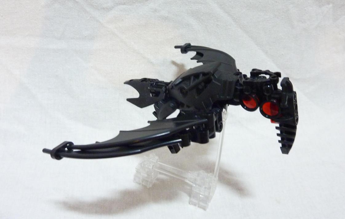 Bionicle MOC - Mad Crow - Flying! by Alex-Darkrai